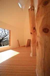 prenez-de-la-hauteur-avec-ses-somptueuses-maisons-perchees-dans-les-arbres65